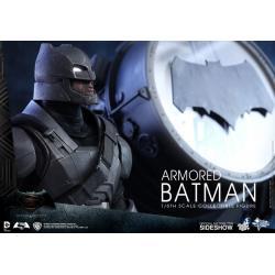 DC Comics: Armored Batman Sixth Scale Figure